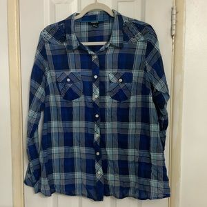 Flannel top with studs